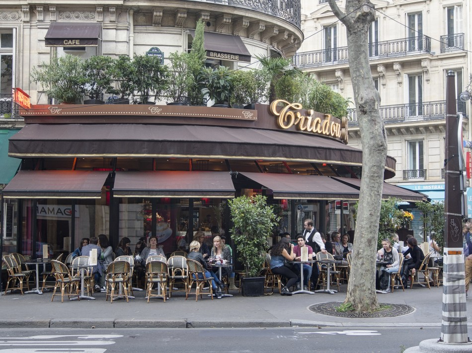 Street Dining in Paris