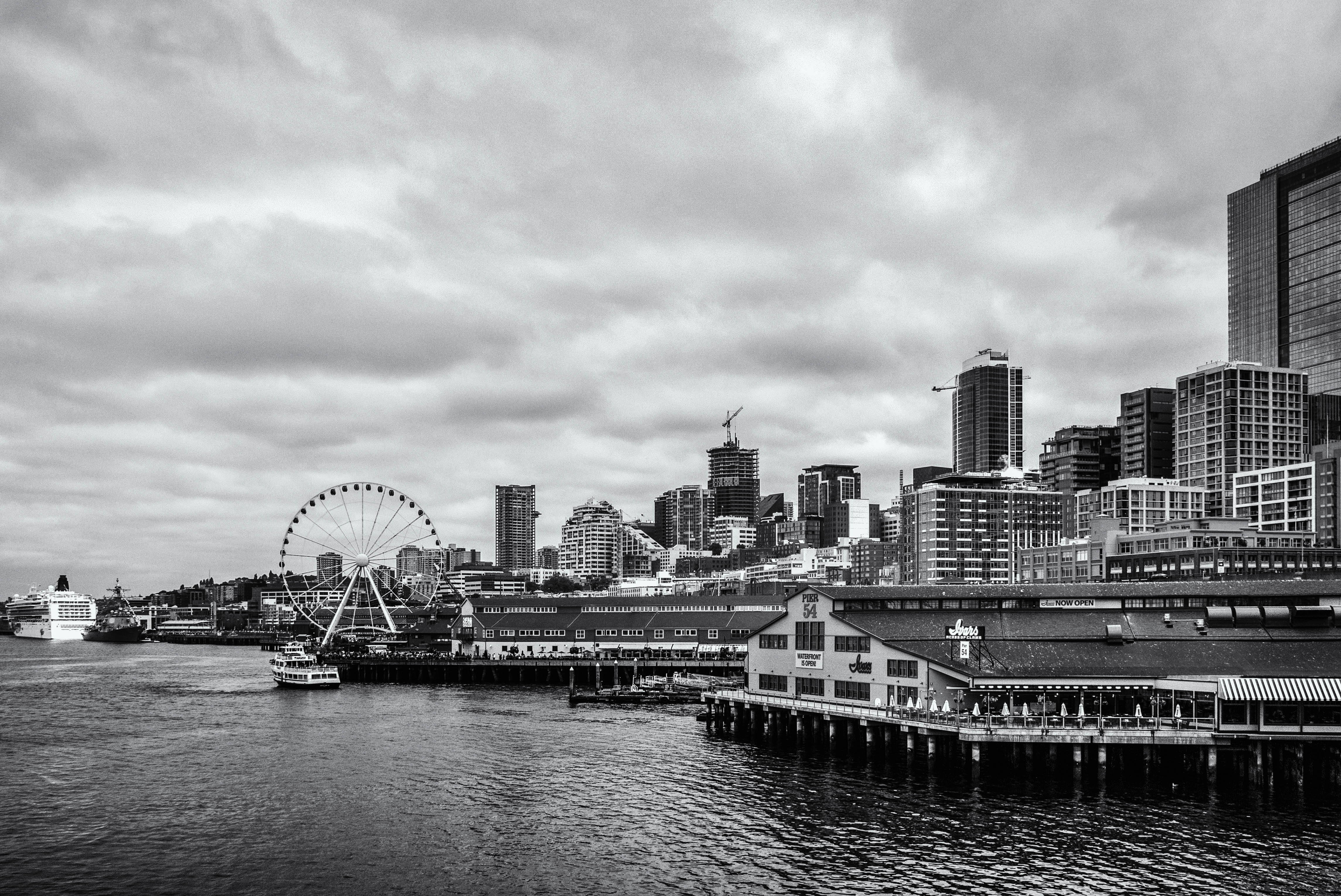 A Gray Day on the Seattle Waterfront