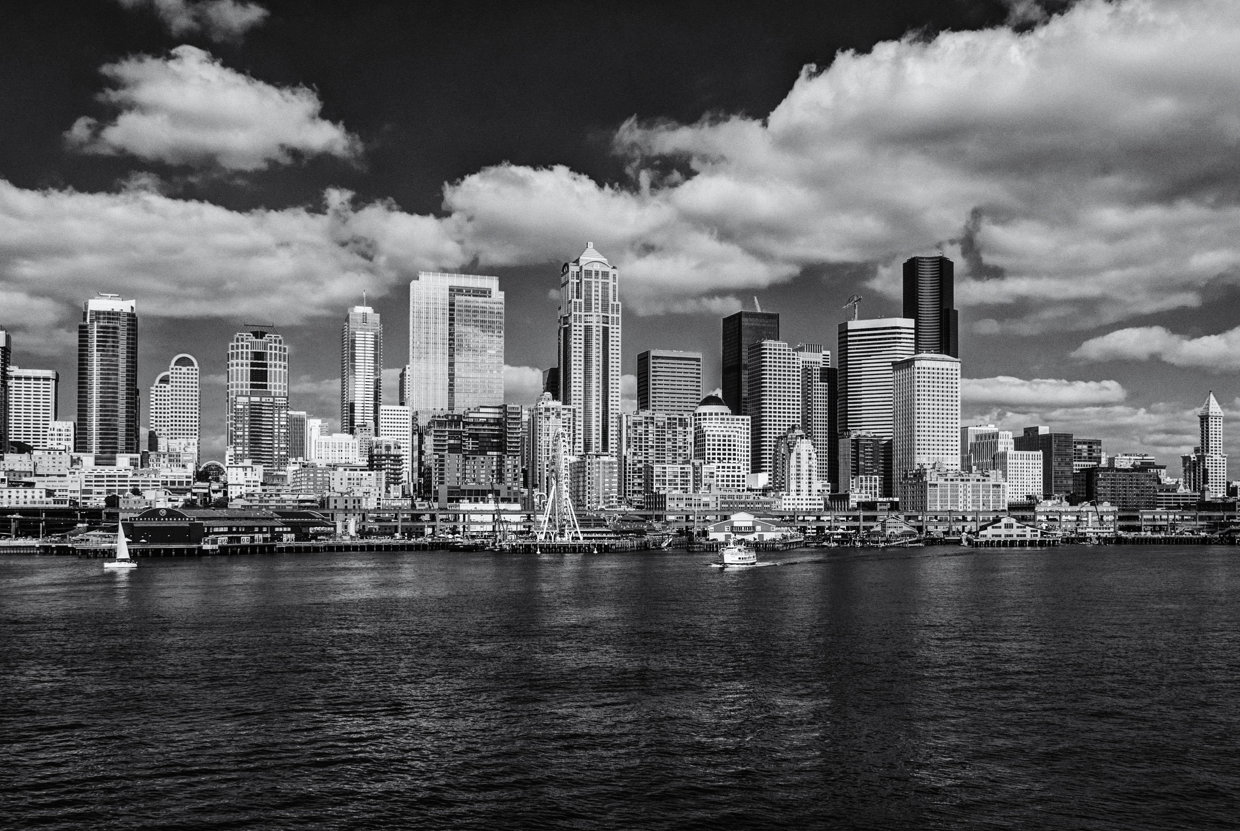 Seattle Waterfront - BW